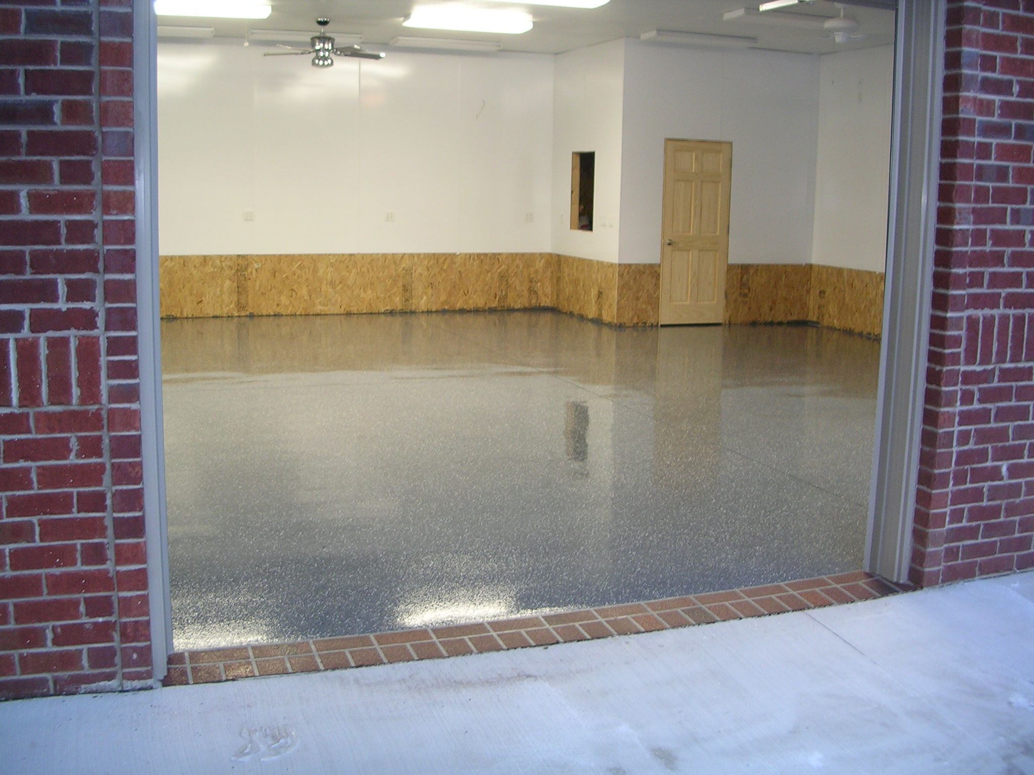 Capitalr coatings and concrete garage floor epoxy appleton for Concrete floor coatings